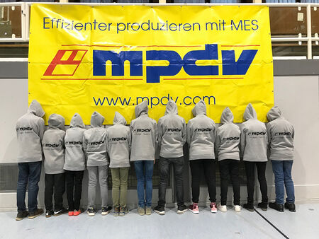 "Two MPDV teams have participated in the robot competition FIRST LEGO League in Obrigheim this year. The ""MPDV Junior Developers"" team ranked third in the research task, ""The Originals"" won the jury's special prize. (Source: MPDV)"